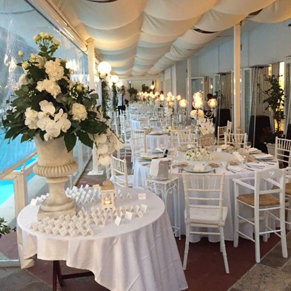 cena-piscina-matrimonio